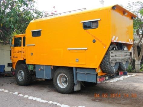Renault w/ custom camper / Loreto, BC