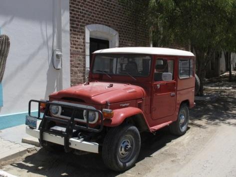 Toyota Landcruiser / Todos Santos, Baja California Sur, Mexico